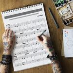 【ヒット曲の法則】世界的音楽プロデューサーの「クレバーな作曲法」